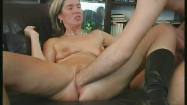 Ona musi filmy potno za darmo uprawiać seks